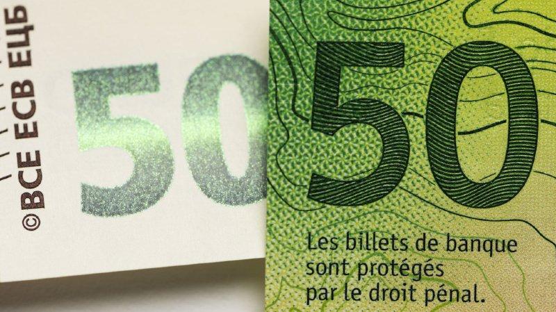 L'artiste Wetz avait préparé 2200 coupures de 50 francs qu'il a distribuées (illustration).