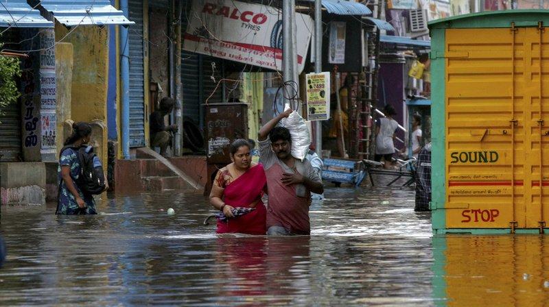 Inde: la tempête tropicale Nivar a touché terre, des milliers de personnes évacuées
