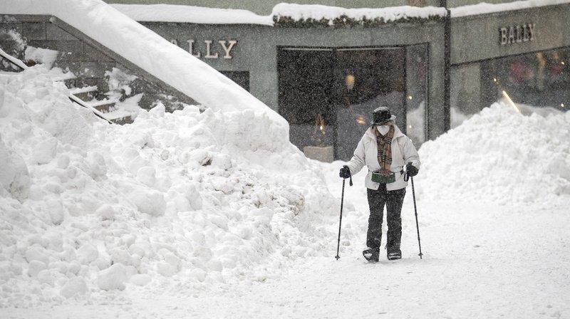 Abondantes chutes de neige dans les Alpes: trafics ferroviaires et routiers perturbés