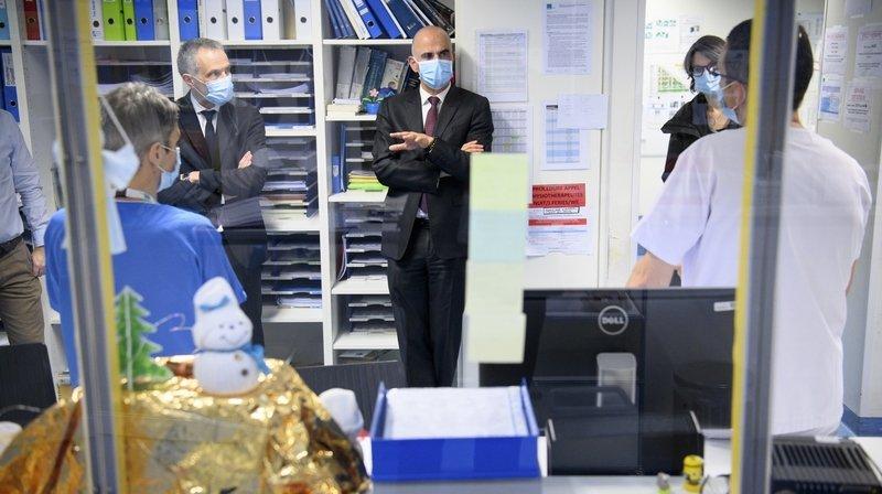 Covid-19: le ministre de la Santé Alain Berset en visite à Neuchâtel