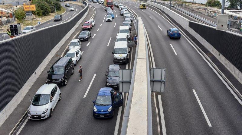 Tête-à-queue sur l'autoroute A5 à Serrières