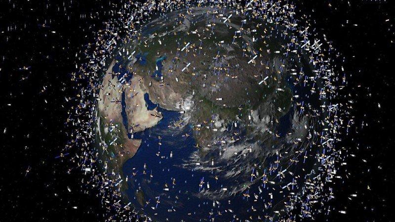 Espace: la Suisse ouvre la voie à la dépollution de l'orbite terrestre