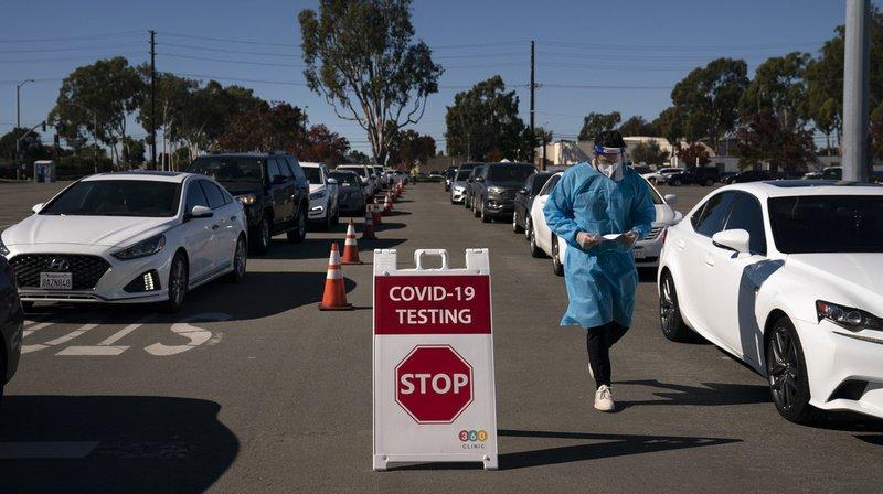 Coronavirus: plus de 2730 nouveaux décès en 24h  et nombre record d'hospitalisations aux Etats-Unis