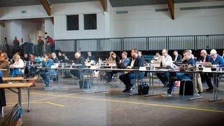 La Chaux-de-Fonds: le Grand Conseil chasse trois clubs du Pavillon des sports