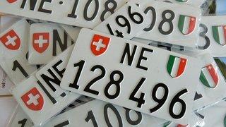 Neuchâtel: jugé pour avoir roulé avec des plaques d'immatriculation artisanales