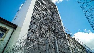 Incendie dans une cellule à La Chaux-de-Fonds