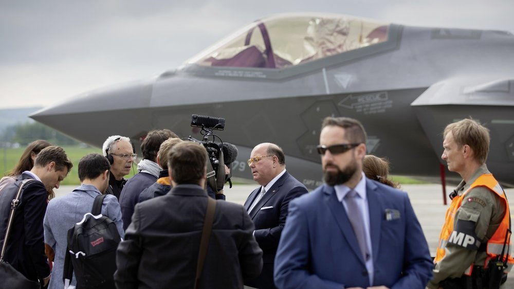 Concepteur du F-35, le fabricant Lockheed Martin recourt à des conseillers spécialisés dans le domaine militaire.