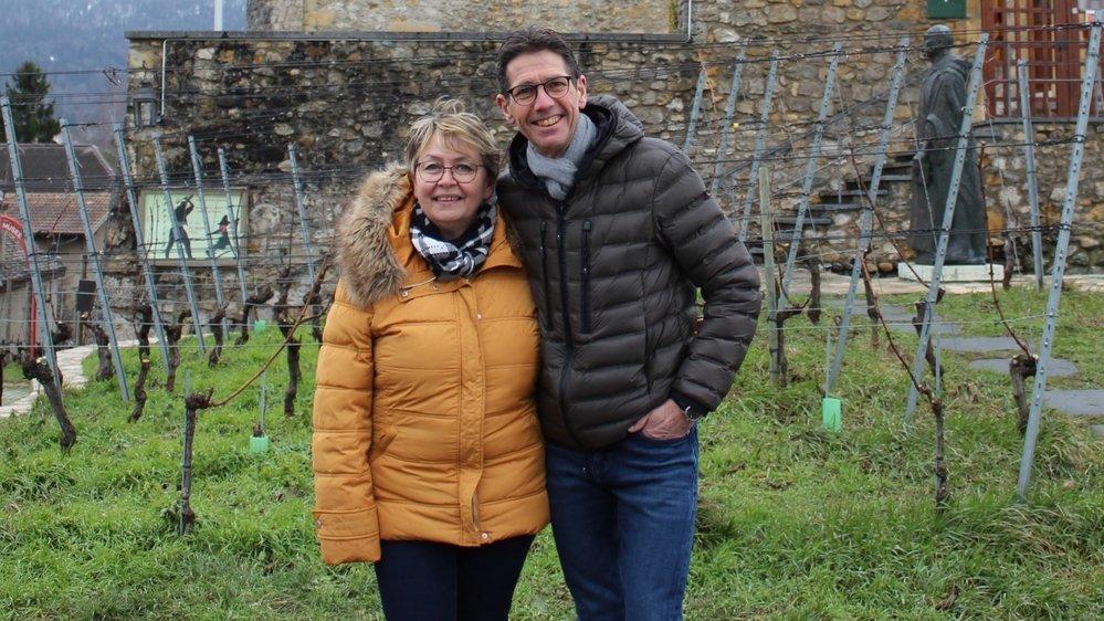 Marianne et Pierre-Alain Rohrer devant le Château de Boudry.