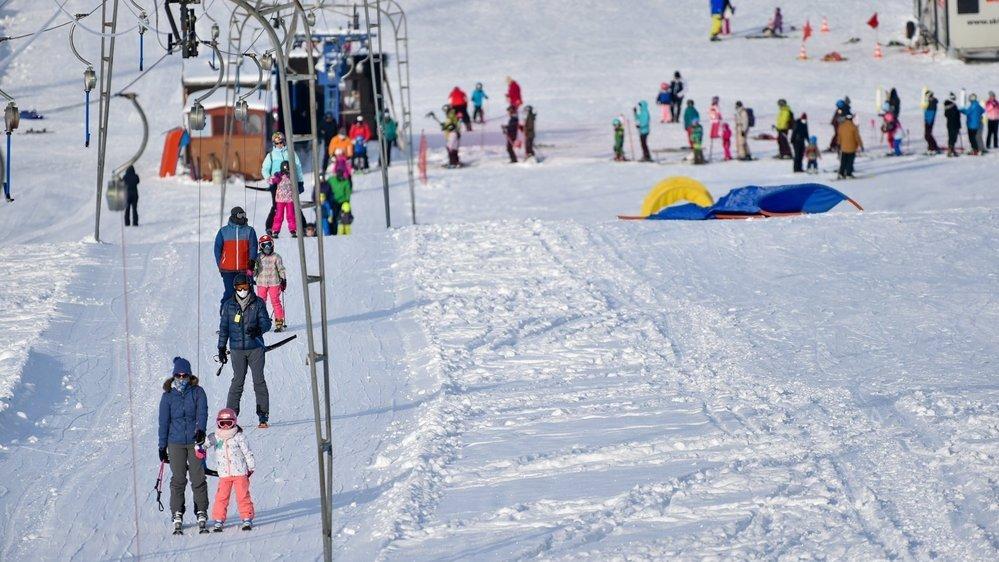 Malgré la pandémie, tous les domaines skiables du canton ont tourné à plein régime pendant les vacances d'hiver, comme ici à La Corbatière.