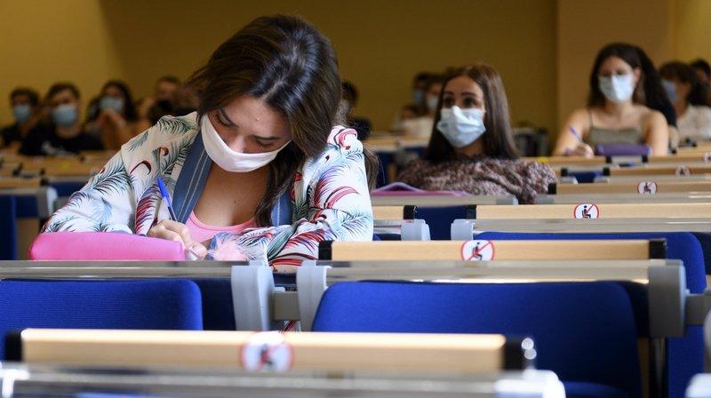 Des examens à l'épreuve de la démocratie à l'Université de Neuchâtel