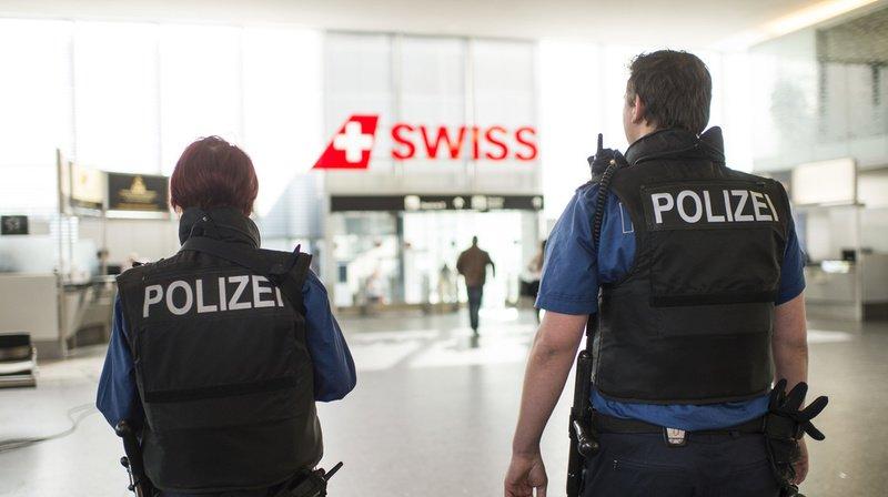 La police zurichoise a pu appréhender la jeune fille avant son embarquement.