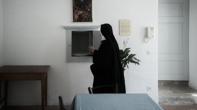 France: des nonnes dansent et chantent pour lever des fonds