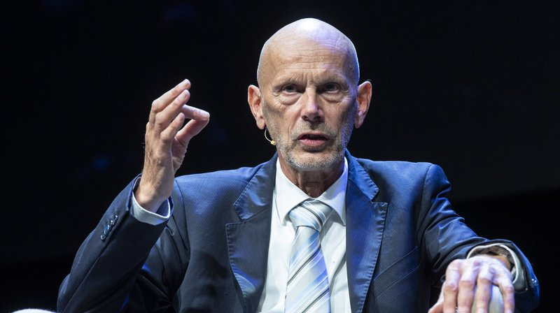 """L'ancien chef du service des maladies transmissibles à l'Office fédéral de la santé publique (OFSP) aura """"malheureusement"""" été l'un des visages de l'année en 2020 en Suisse."""