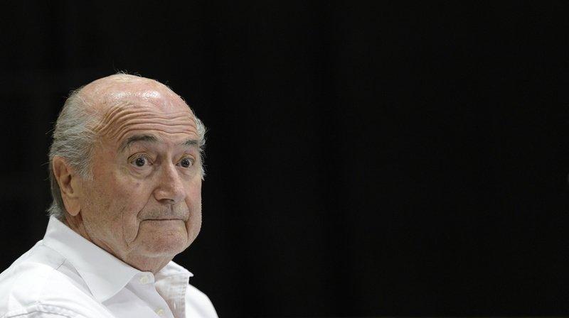 L'état de santé de l'ancien président de la FIFA est jugé grave mais sa vie ne serait pas en danger.