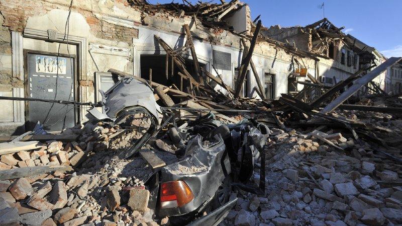 La ville de Petrinja, 20'000 habitants, a été particulièrement touchée, selon des images diffusées sur les médias nationaux et les réseaux sociaux.