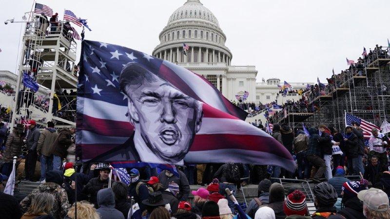 Etats-Unis: appels à la démission ou à la destitution de Trump