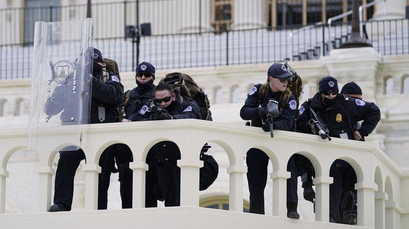 Violences au Capitole: un policier est décédé, Trump condamne une «attaque odieuse»
