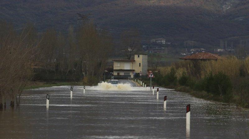 Des pluies diluviennes ont provoqué des inondations en Albanie et au Kosovo.