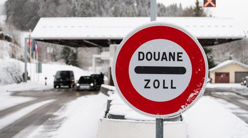 Covid-19: faut-il présenter un test PCR négatif pour se rendre en France?
