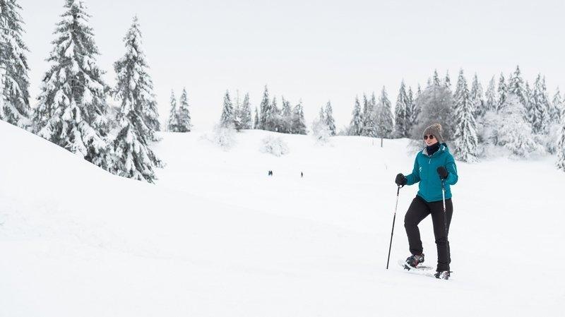 Tout savoir sur les randonnées en raquettes dans le canton de Neuchâtel