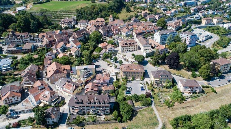 Pour aider ses commerces, La Grande Béroche (ici une vue de Saint-Aubin) a offert des bons de 30 francs à faire valoir auprès d'eux à sa population.