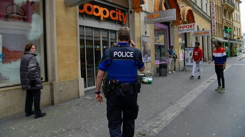 Deux policiers légèrement blessés lors d'une intervention au centre-ville de Neuchâtel