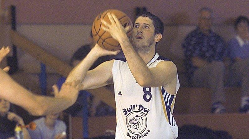 Thierry Benoît était très habile aux tirs à distance.
