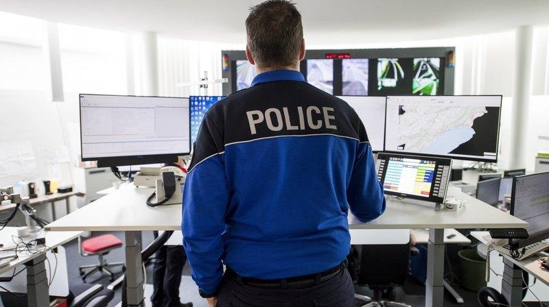 La police neuchâteloise (ici une vue de la centrale d'urgence) lance un appel à la prudence alors que de nombreuses escroqueries lui ont été annoncées.