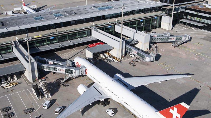 Les Britanniques concernés ont été pris en charge séparément des autres voyageurs à l'aéroport de Zurich afin de prévenir toute infection par la nouvelle variante du coronavirus.