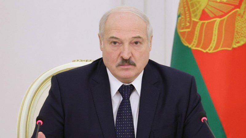 Bélarus: des milliers de personnes à nouveau dans la rue pour demander la démission de Loukachenko