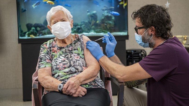 Coronavirus: la première Suissesse vaccinée est une Lucernoise de 90 ans