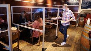Covid-19: pourquoi Neuchâtel a choisi de fermer les restaurants et les bars