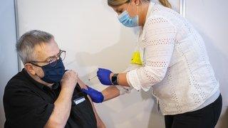 Cernier: Jean-François, 75 ans, premier Neuchâtelois vacciné contre le Covid-19