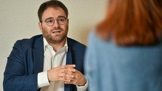 Fabio Bongiovanni: libre, responsable du PLR neuchâtelois, et prêt à terrasser les adversaires politiques