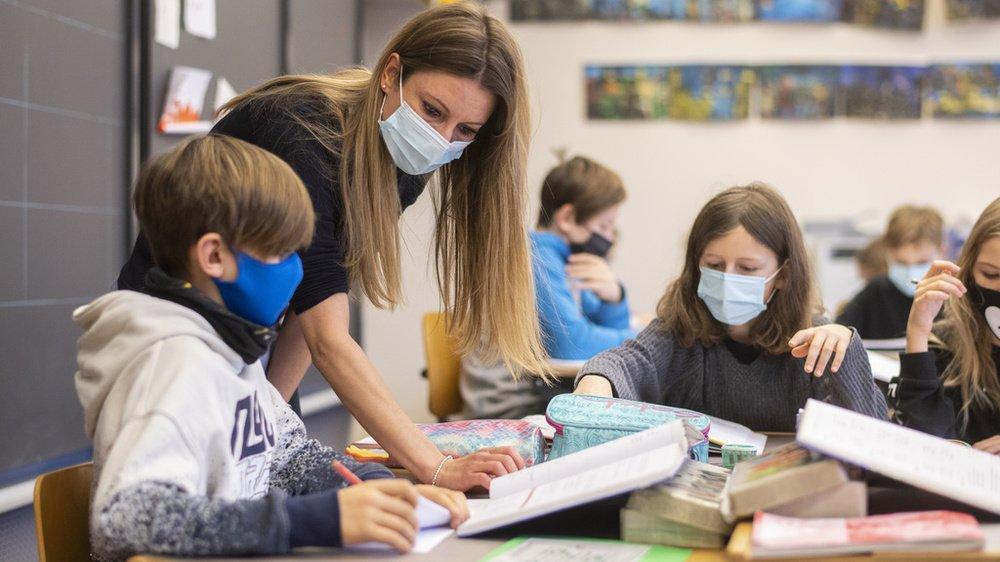 Depuis le 25 janvier, le masque est obligatoire pour les élèves zurichois dès la 4e année primaire (6e Harmos).