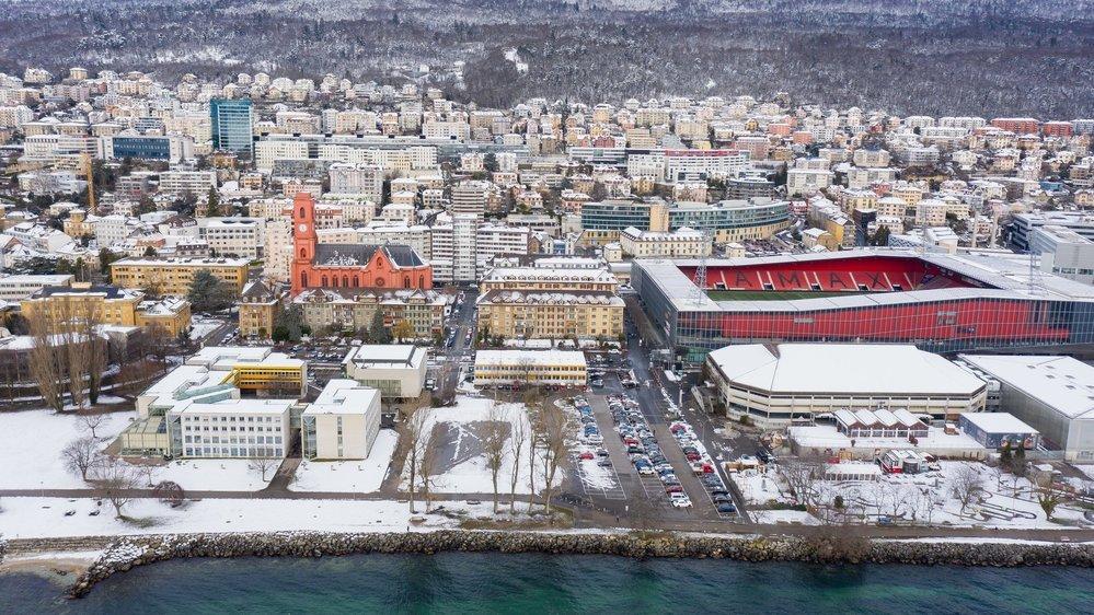 Un nouveau bâtiment universitaire devrait être construit entre la Faculté des lettres et les patinoires du Littoral, sur le site de l'ancien Panespo et du parking.