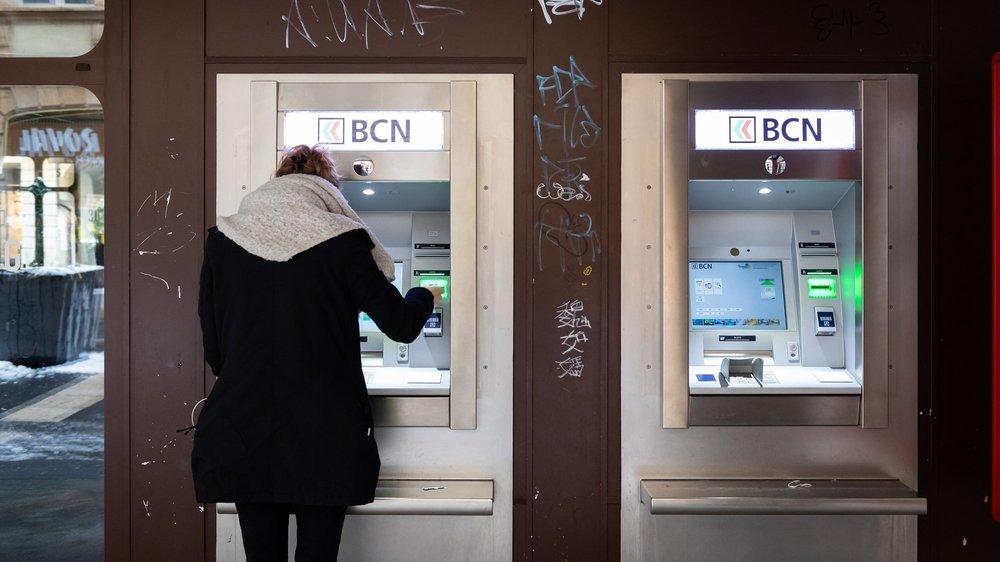 Pour une question de sécurité, ce Vaudois aurait voulu avoir sa carte - avalée par le bancomat - en retour, même coupée en deux.