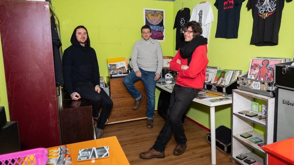 Jona Nido (à gauche), Vincent Tripet et Bab font partie des fers de lance de la culture alternative des Montagnes neuchâteloises.