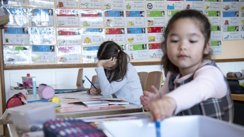 Monika Maire-Hefti: «Nous voulons vraiment garder les écoles neuchâteloises ouvertes»