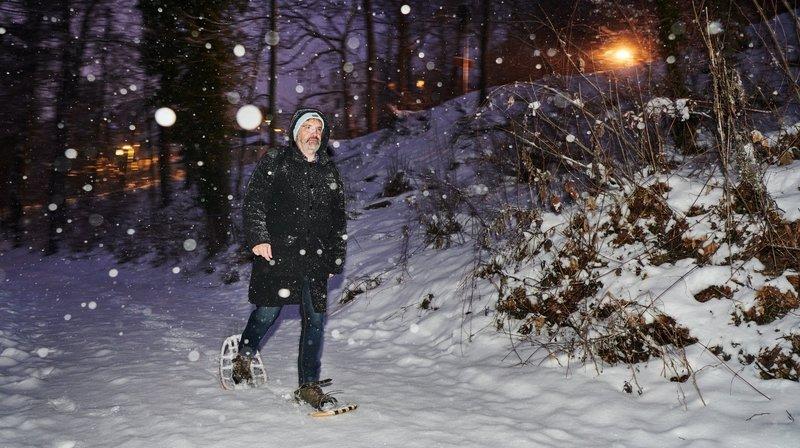 Neuchâtel: le directeur du Jardin botanique va au travail en raquettes