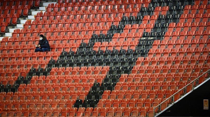 Sport: stades à huis clos, joueurs à carreau?