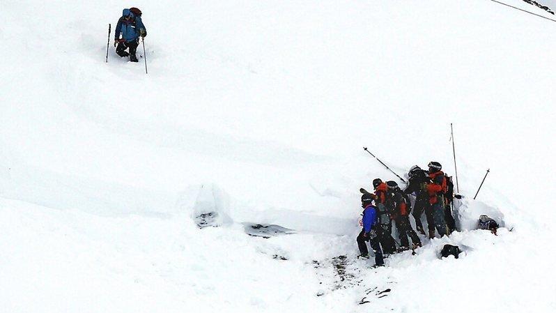 Un skieur de randonnée tué par une avalanche en Isère