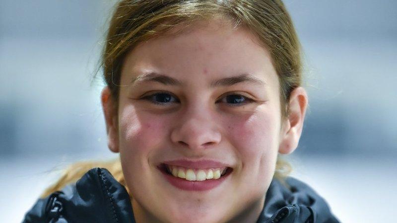 Jade Surdez poursuit son apprentissage à la Neuchâtel Hockey Academy et rêve du Canada