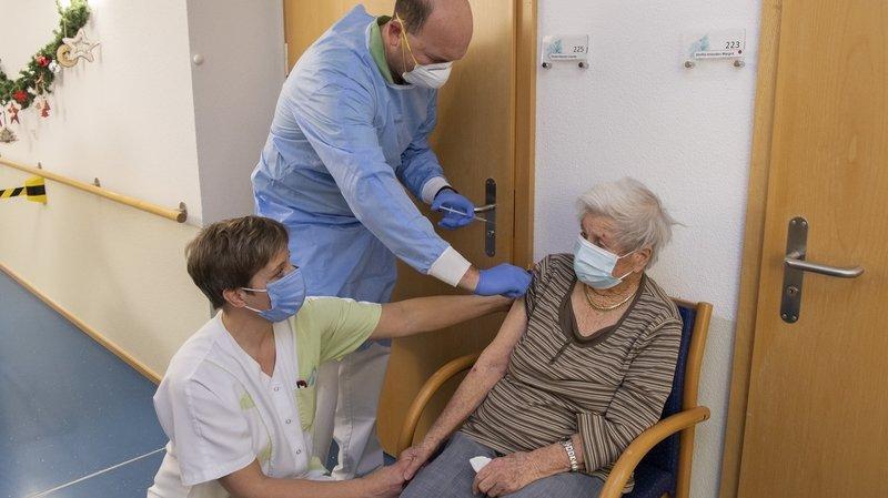 Covid-19: il a fallu jeter des vaccins d'un EMS neuchâtelois