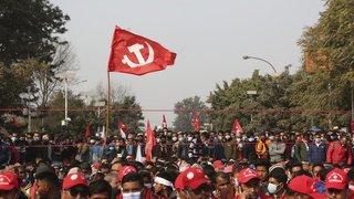 Manifestation au Népal, nettoyage en Angleterre, tests d'acide en Chine: la galerie photos du 22 janvier 2021