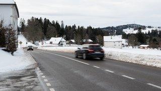 La Chaux-de-Fonds: sa voiture fait plusieurs tonneaux dans un champ