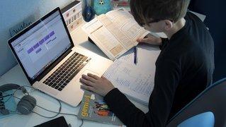 Neuchâtel: le débat sur la motion contre les examens sous vidéosurveillance est reporté