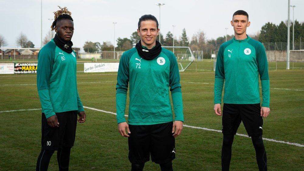 Perrault Tokam (à gauche), Fabio Morelli (au centre) et Safet Alic rêvent de percer dans le milieu du ballon rond.