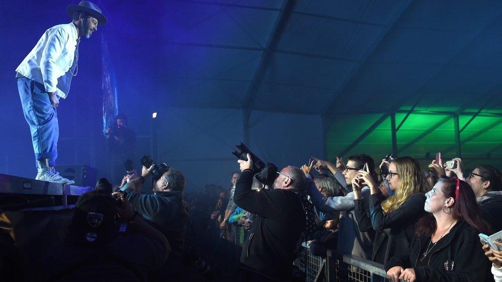 Pas question cette année de remplir la grande scène avec 12 000 personnes debout, comme ici pour le concert de Christophe Maé en 2017.