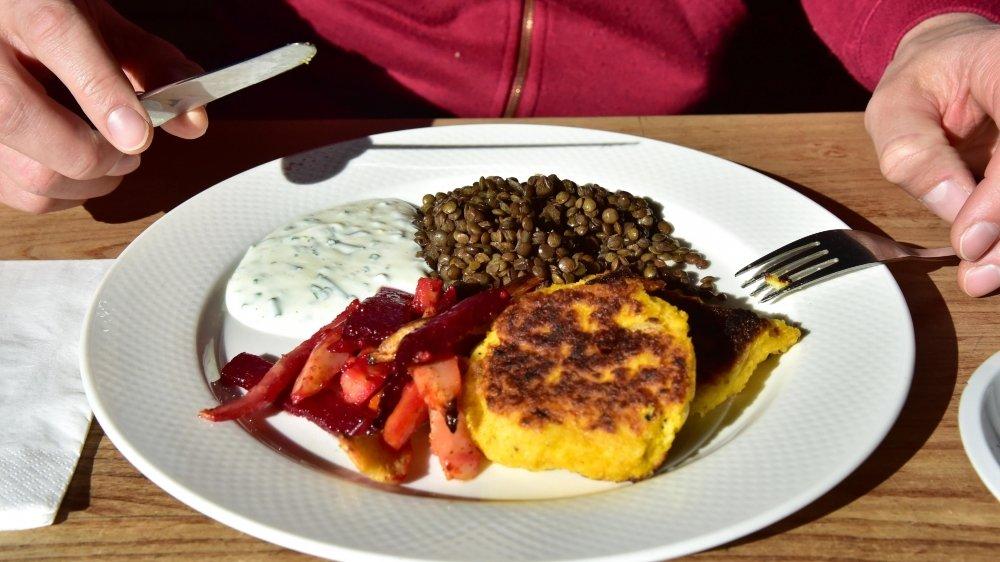 L'Etat de Neuchâtel devra mettre plus de plats végétariens à la carte.